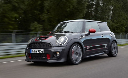 MINI-JohnCooperWorks-GP-910x564