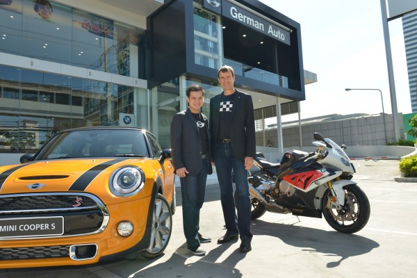Khun Piyavit Khemarangsan, President, German Auto (left) and Mr. Matthias Pfalz, President BMW Group Thailand