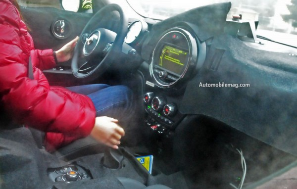 mini-countryman-plug-in-hybrid-spied-interior